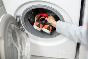 Peut-on laver ses chaussures à la machine ?
